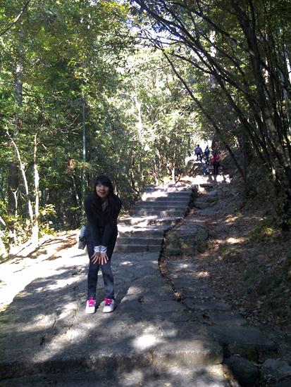 huangshan mountain climbing
