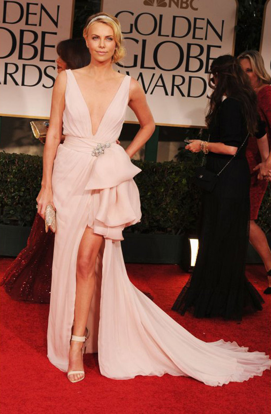 golden globe 2012 charlize theron Golden Globe Awards 2012 Best Celebrity Dresses