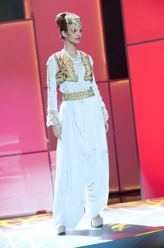 miss albania xhesika berberi Miss Universe 2011 National Costume