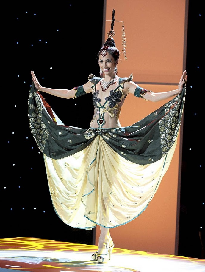 miss malaysia deborah henry Miss Universe 2011 National Costume