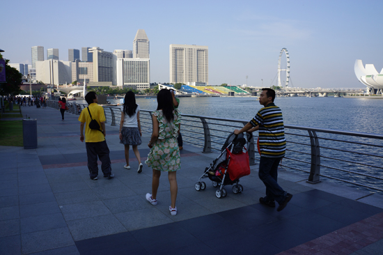 Walk at Merlion Park Singapore