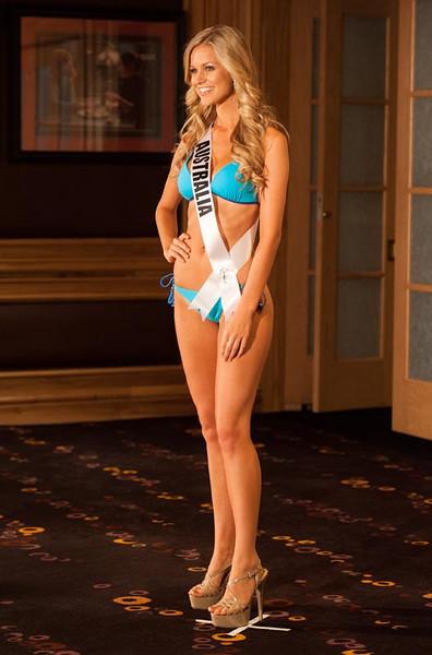 Miss Australia 2012, Renae Ayris