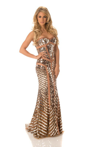 Nathalie den Dekker – Miss Netherlands Gown