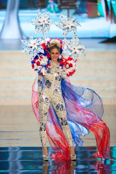 Miss Netherlands 2012, Nathalie den Dekker
