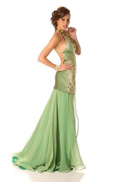 Stephanie Vander Werf – Miss Panama Gown