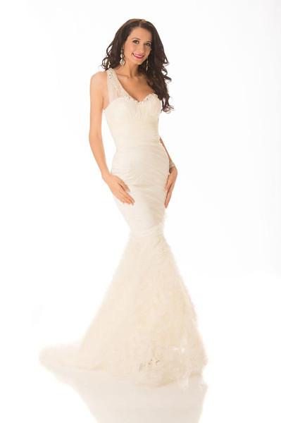 Delia Monica Duca – Miss Romania Gown