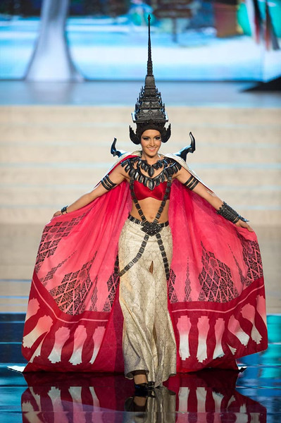 Miss Thailand 2012, Nutpimon Farida Waller