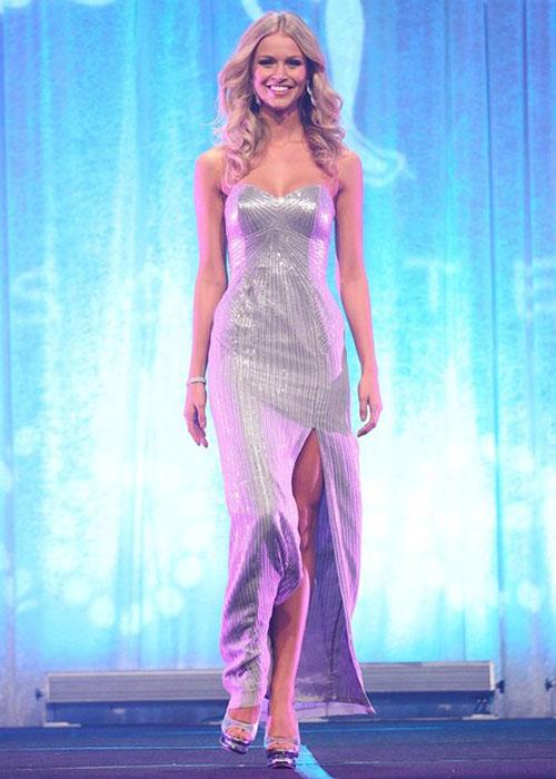 Miss Australia Renae Ayris Pictures