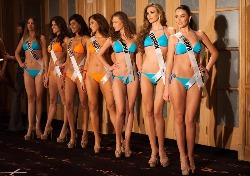 miss-universe-2012-swimsuit-preview