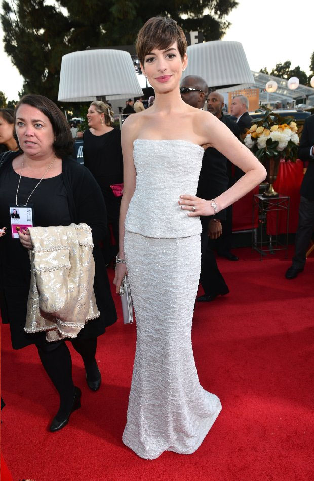 Anne_Hathaway_in_Golden_Globe_2013