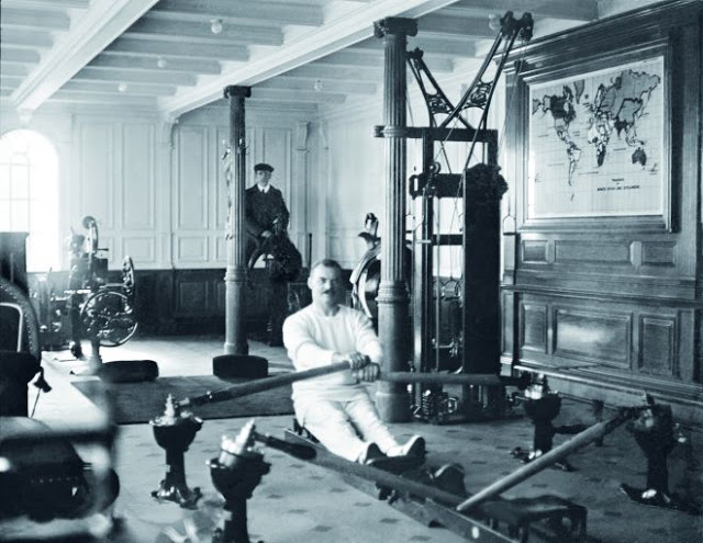 The gymnasium Pic of The Titanic (Titanic Real Photos)