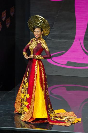National Costume miss vietnam 2013