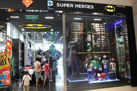 dc comics super heroes store 01 Jalan Jalan ke Kuala Lumpur, Malaysia (Hari ke 4)