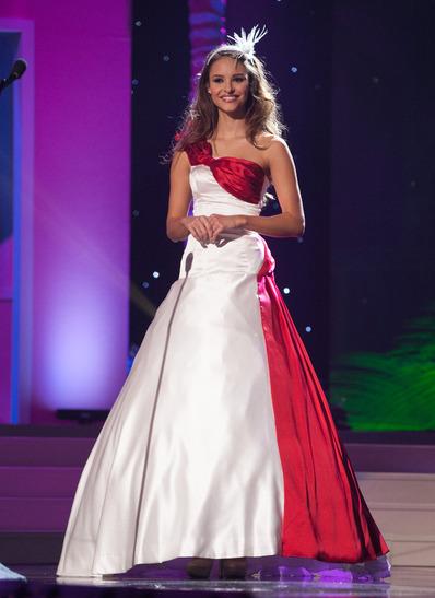 miss-austria-national-costume