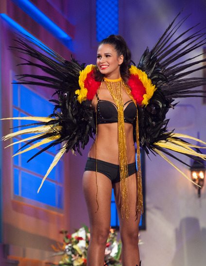 miss-belgium-national-costume