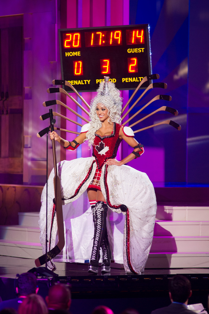 miss-canada-national-costume