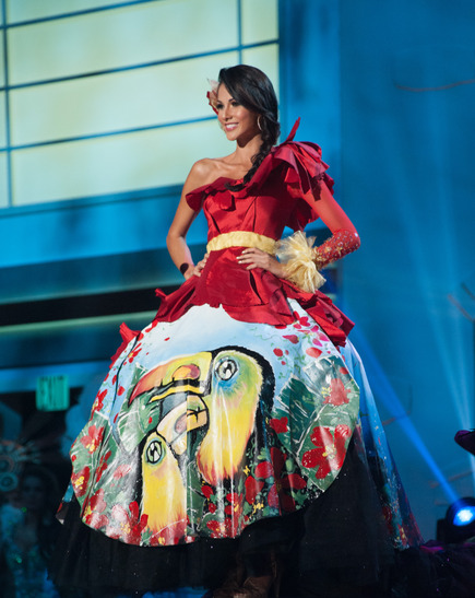 miss-costa-rica-national-costume