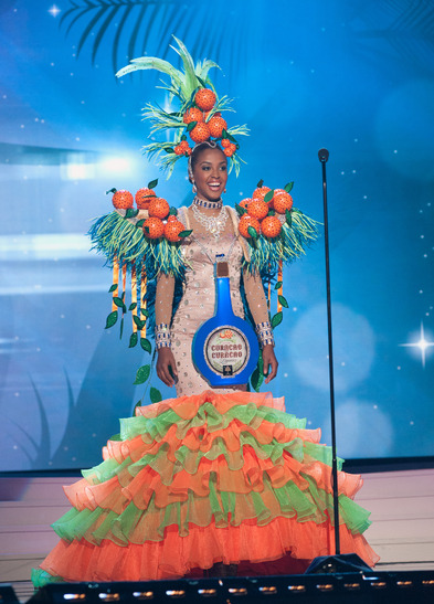 miss-curacao-national-costume