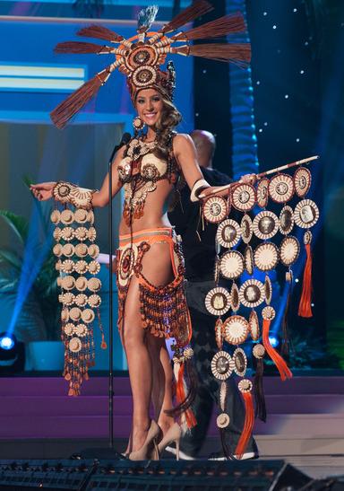 miss-ecuador-national-costume