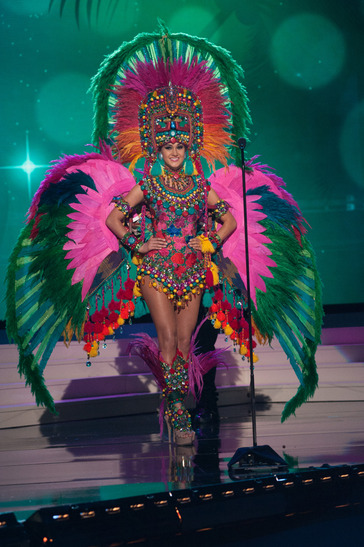 miss-guatemala-national-costume