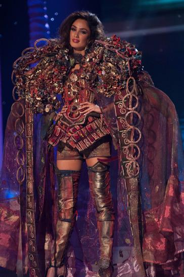miss-ireland-national-costume