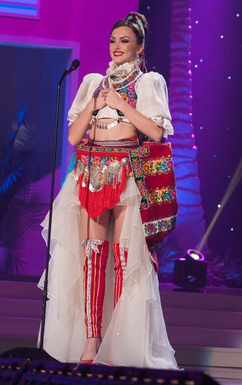 miss-kosovo-national-costume