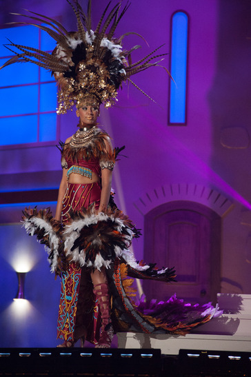 miss-malaysia-national-costume