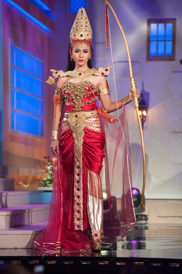 miss-myanmar-national-costume