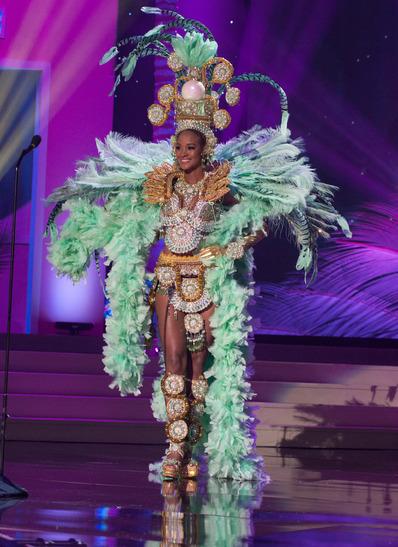 miss-panama-national-costume