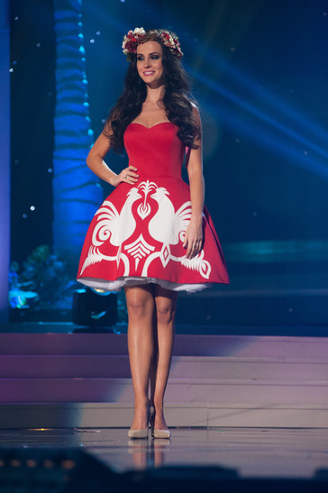 miss-poland-national-costume