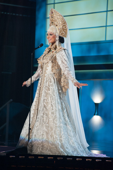 miss-russia-national-costume