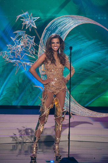 miss-singapore-national-costume