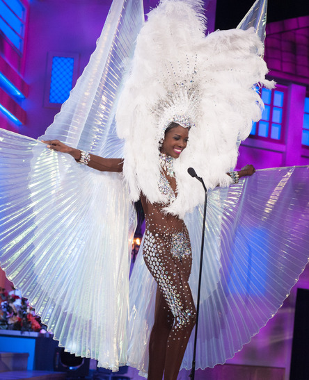 miss-turks-and-caicos-national-costume