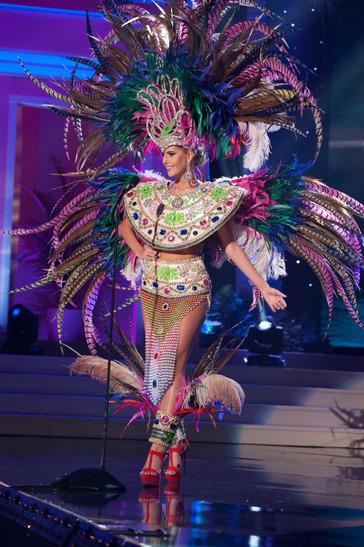 miss-uruguay-national-costume