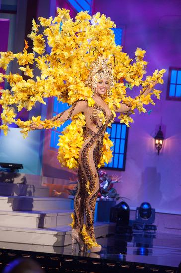 miss-venezuela-national-costume